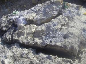 Roca partida por efecto del cemento expansivo